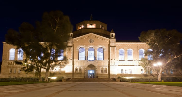 50-amazing-libraries-ucla-powell