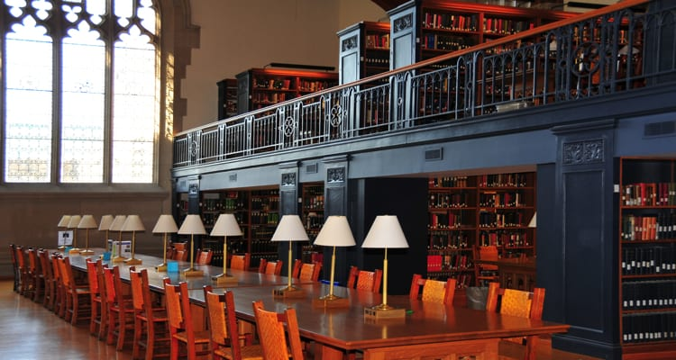 50-amazing-libraries-vassar-college