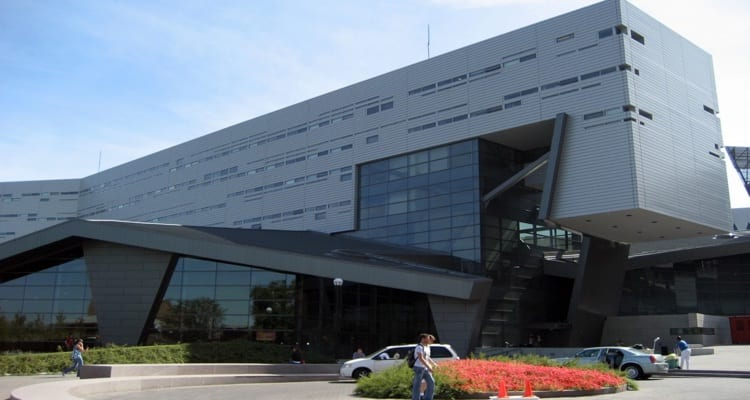 The 35 most luxurious student recreation centers college rank for University of cincinnati swimming pool