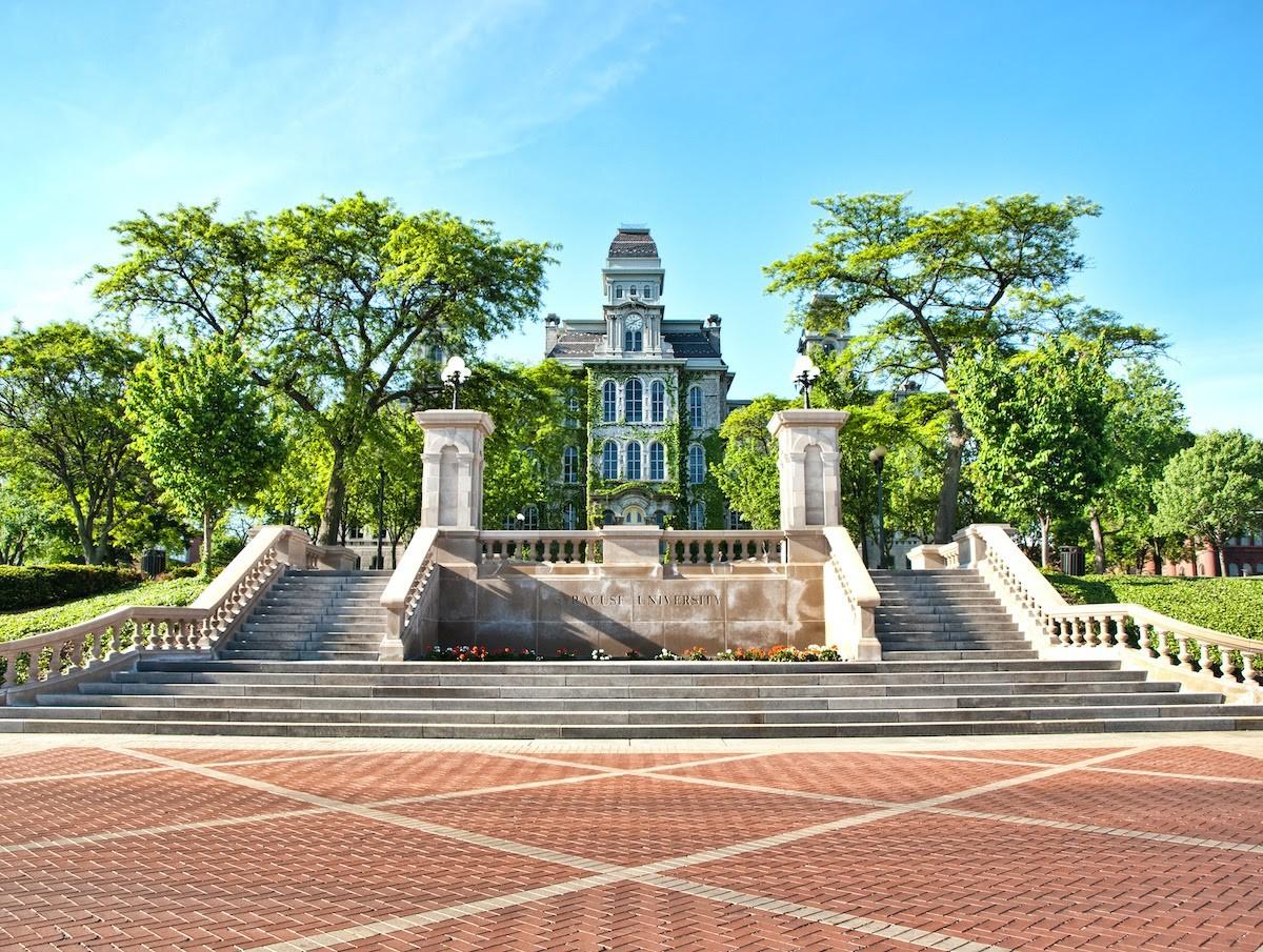 What is greek life: Syracuse University